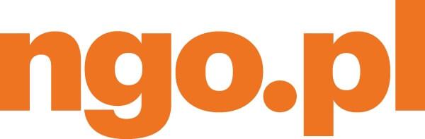 Grafika przedstawia pomarańczowy napis o treści ngo.pl na białym tle