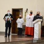 Starosta Policki i Burmistrz Polic podczas Mszy Świętej za Ojczyznę w 102 rocznicę odzyskania przez Polskę niepodległości