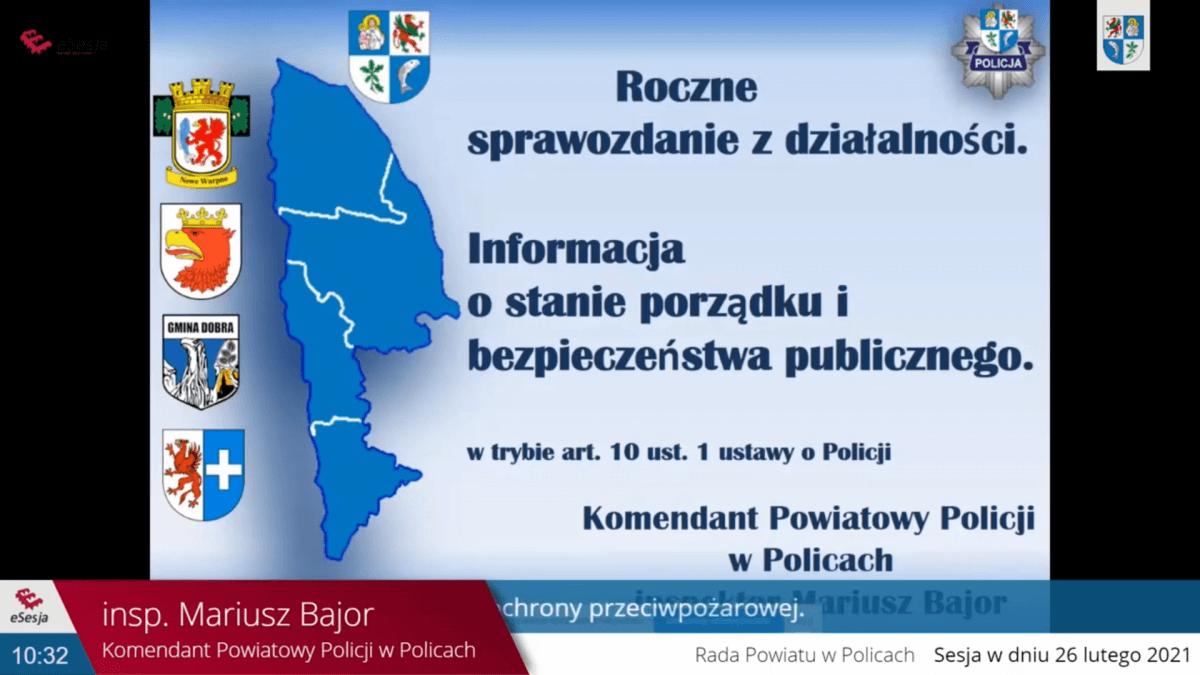 Plansza prezentacji wykonanej w powerpoint dotycząca informacji o stanie porzadku i bezpieczeństwa publicznego .W tle zarys powiatu polickiego i jego herb oraz herby gmin Dobra, Police, Nowe Warpno i Kołbaskowo.