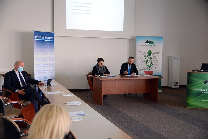 Posiedzenie Powiatowej Rady Rynku Pracy w Policach
