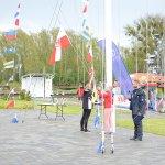 Podniesienie bandery podczas otwarcia sezonu żeglarskiego