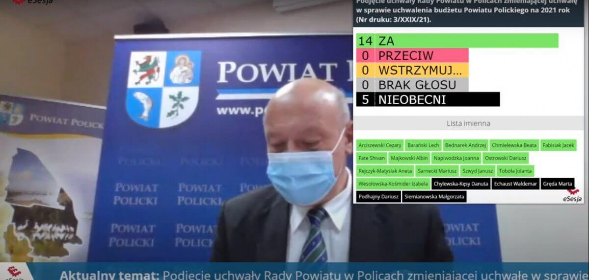 Kadr z XXIX sesji Rady Powiatu w Policach