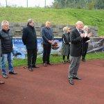 Przewodniczący Rady Powiatu w Policach Cezary Arciszewski przemawia